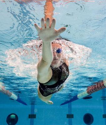 Ali je plavanje dobro za hrbtenico?